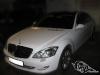 Полная обтяжка белой глянцевой виниловой плёнкой Mercedes
