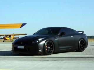 Обтяжка чёрной матовой виниловой плёнкой Nissan GT-R